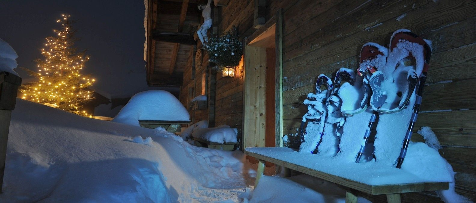 Alpbachtal Seenland Berghütte Schneeschuhe Abendstimmung apartment-schoenwies.at